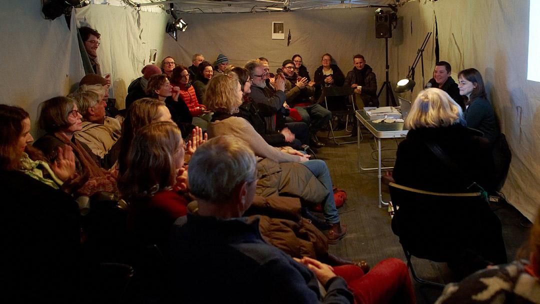 Lauschen&Lauern, talk with Laura Sánchez-Serrano, ©Barbara_Hartmann