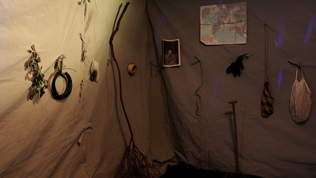 Lauschen&Lauern, shelter inside, ©Barbara_Hartmann